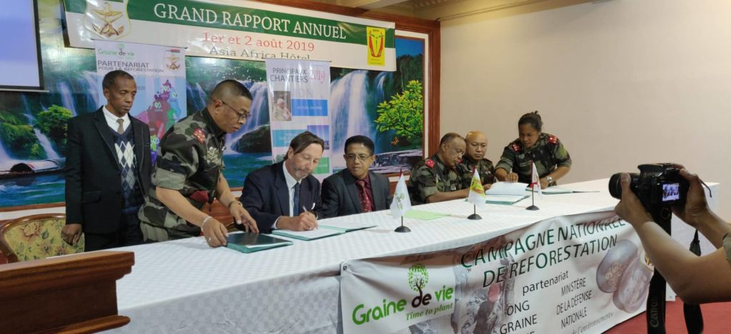 Signing of the partnership agreement between Graine de Vie and the Malagasy armed forces